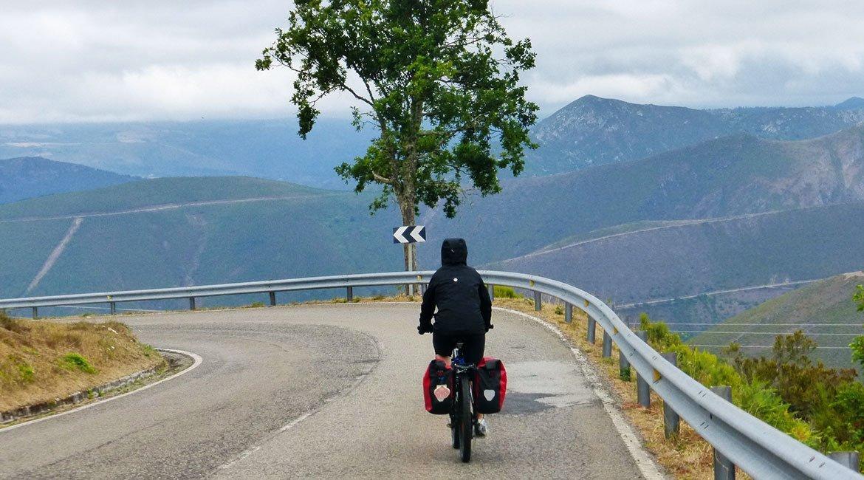Camino de Santiago en bici Ruta Norte Berducedo | BIKINGTHROUGHSPAIN