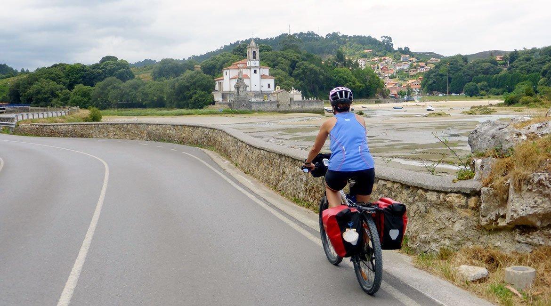 Camino de Santiago en bici Ruta Norte marea baja | BIKINGTHROUGHSPAIN