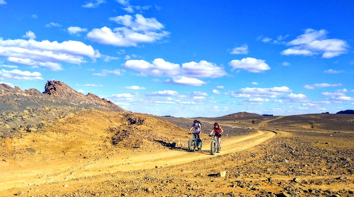 Marruecos en bicicleta. Ruta en el desierto BIKING THROUGH SPAIN & ESPAI BICI