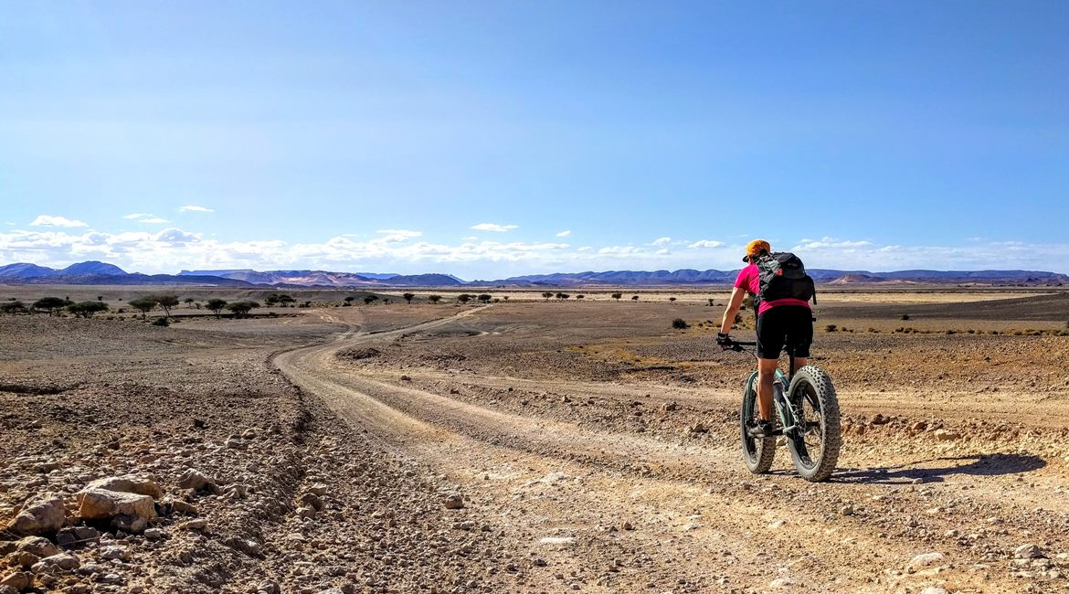 Marruecos en bicicleta. Desierto. BIKING THROUGH SPAIN & ESPAI BICI