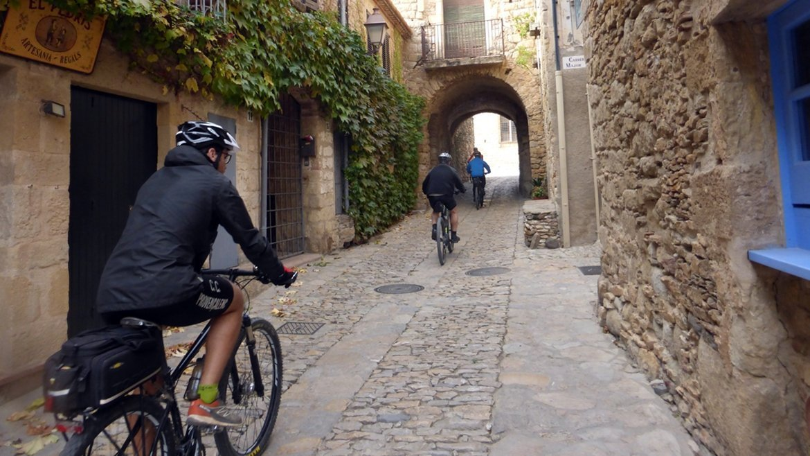 Pueblos medievales del Empordà en bici Palau-Sator| BIKING THROUGH SPAIN