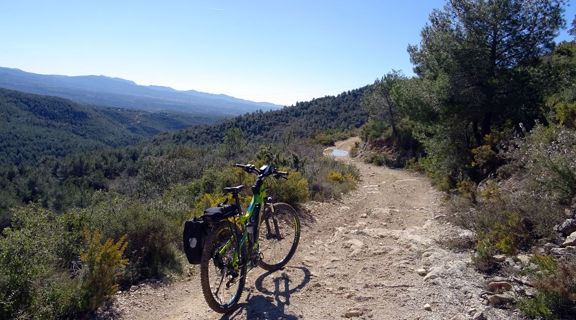 Ruta del Cister. Serra de Comaverd. BIKING THROUGH SPAIN