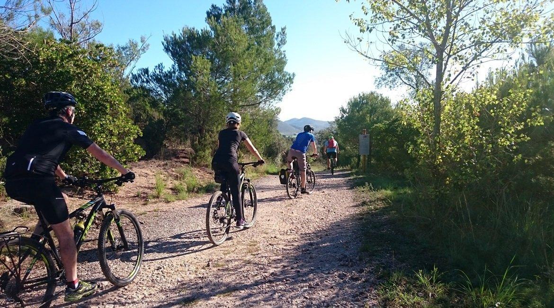 Gran Travesía del Pirineo Catalán en BTT Boadella Empordà| BIKINGTHROUGHSPAIN