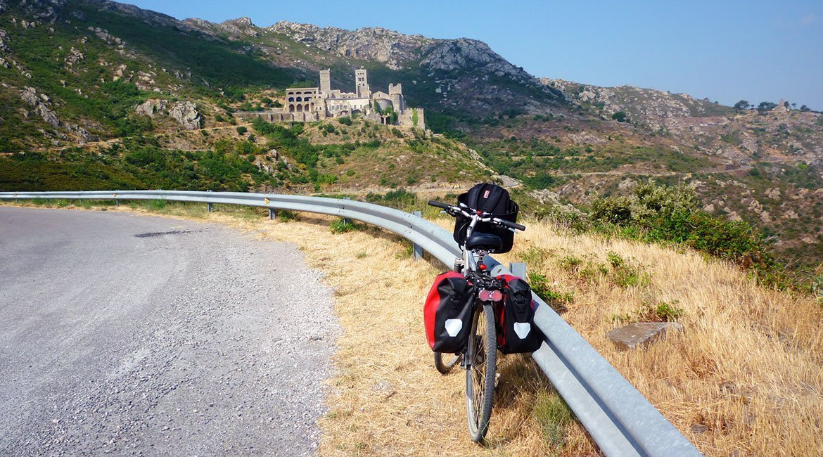 Ruta ciclista integral por el Emporda Sant Pere de Roda | BIKING THROUGH SPAIN