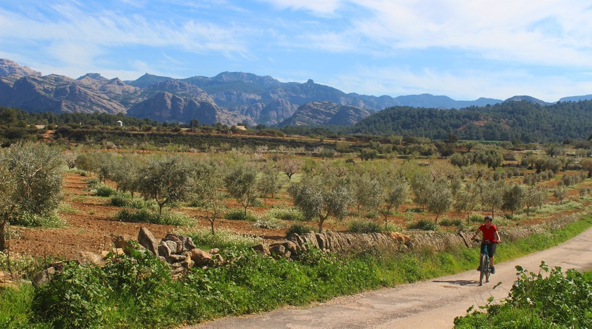 Matarranya y els Ports de Beseit en bicicleta des d'Arnes|BIKING THROUGH SPAIN