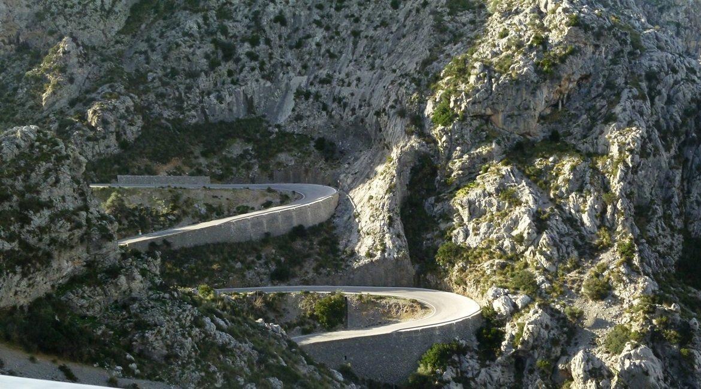 Travesía Serra de Tramuntana en Bicicleta. Sa Calobra. BIKING THROUGH SPAIN