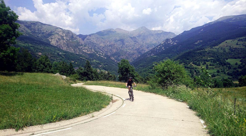 Gran Travesía del Pirineo Catalán en BTT Vall de Ribes| BIKINGTHROUGHSPAIN
