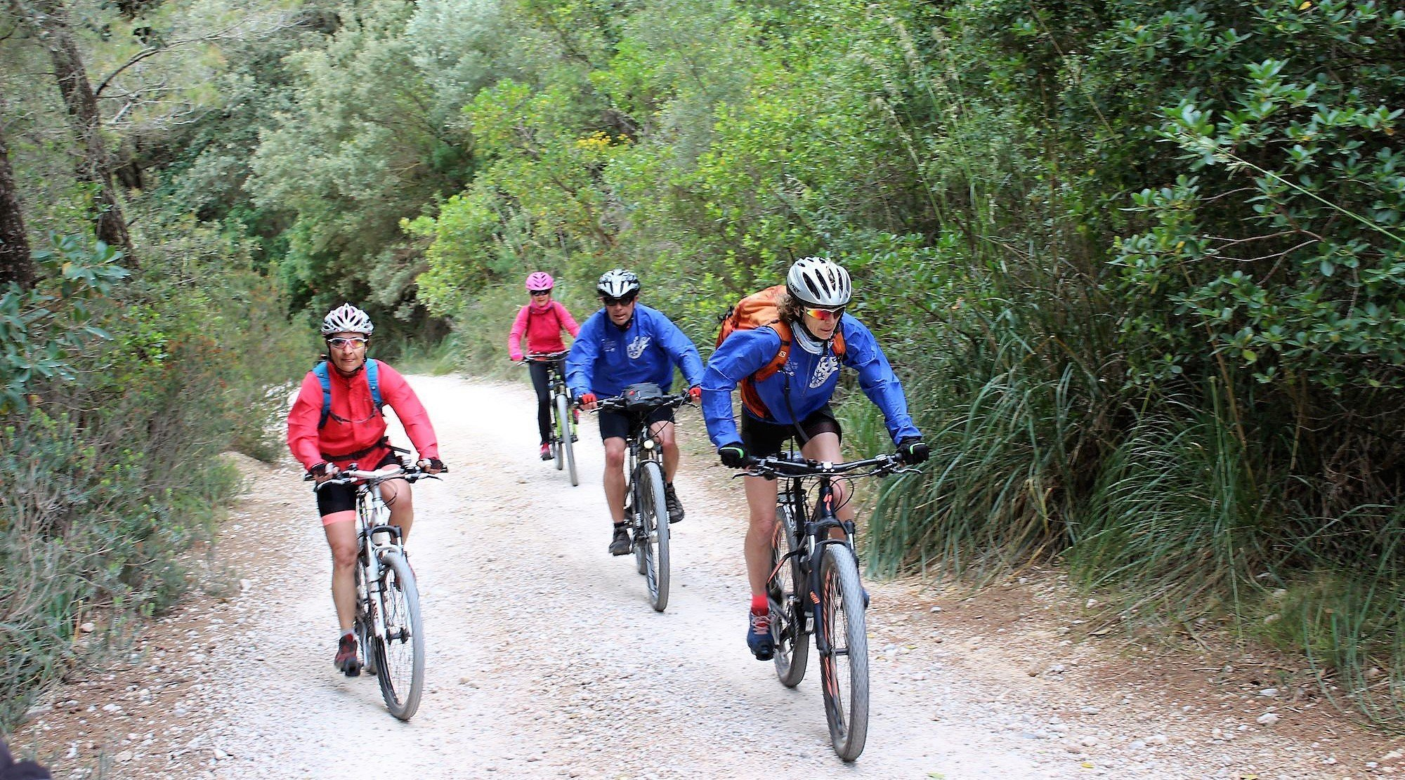 Serra de Tramuntana en bicicleta. Banyalbufar. BICIS EN RUTA. 1170x650