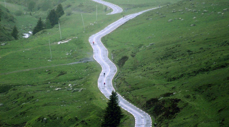 Alpes-Alta-Ruta-por-el-macizo-des-Ecrins-10-BICIS-EN-RUTA-1170x650