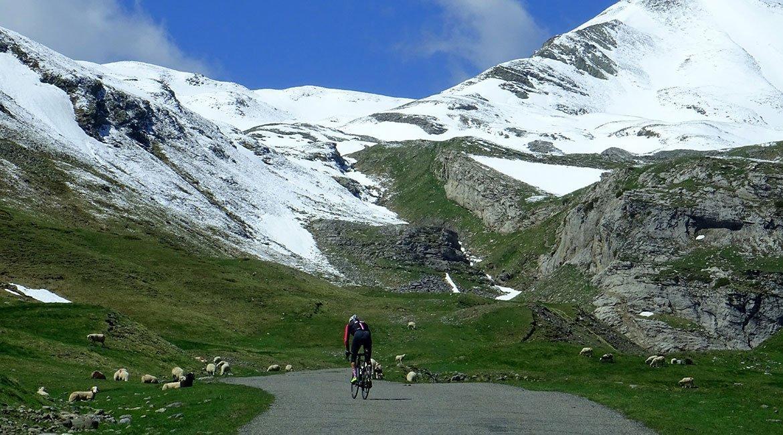 Alpes-Alta-Ruta-por-el-macizo-des-Ecrins-6-BICIS-EN-RUTA-1170x650