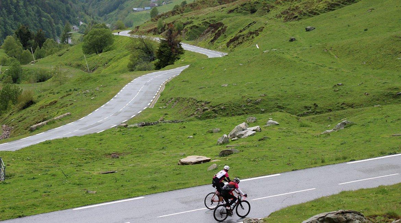 Alpes-Alta-Ruta-por-el-macizo-des-Ecrins-7-BICIS-EN-RUTA-1170x650