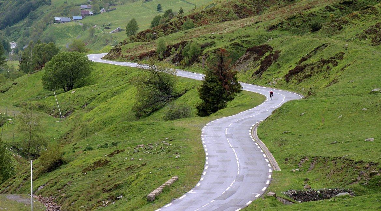Alpes-Alta-Ruta-por-el-macizo-des-Ecrins-8-BICIS-EN-RUTA-1170x650