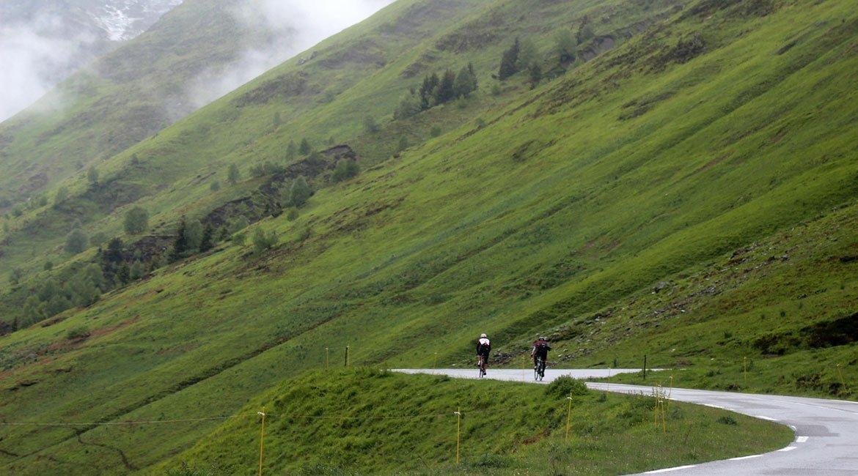 Alpes-Alta-Ruta-por-el-macizo-des-Ecrins-9-BICIS-EN-RUTA-1170x650