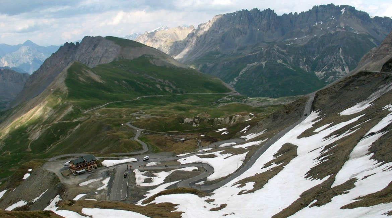 Alpes-Alta-Ruta-por-el-macizo-des-Ecrins-Galibier-BICIS-EN-RUTA-1170x650