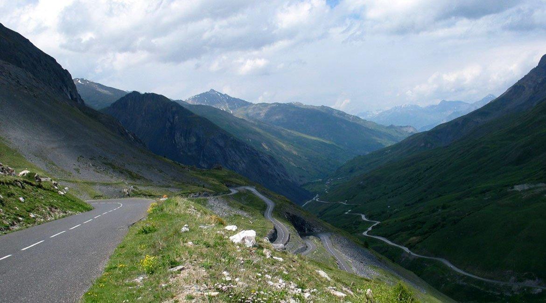Alpes-Alta-Ruta-por-el-macizo-des-Ecrins-Galibier3-BICIS-EN-RUTA-1170x650