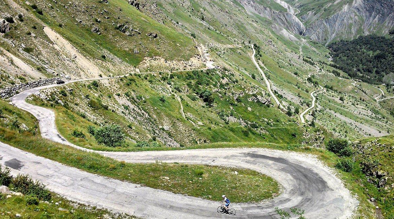 Alpes-Alta-Ruta-por-el-macizo-des-Ecrins-Glandon-BICIS-EN-RUTA-1170X650