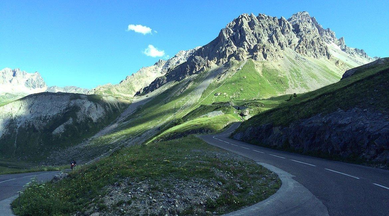 Alpes-Alta-Ruta-por-el-macizo-des-Ecrins12-BICIS-EN-RUTA-1170x650