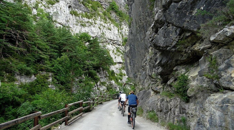 Ordesa-en-bici-Valle-Bujaruelo-Bicis-en-Ruta-1170x650