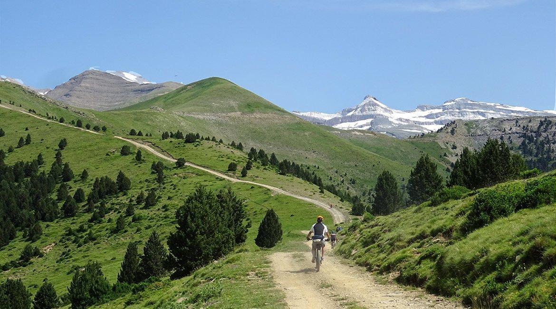 Ordesa-en-bici-el-Casco-Bicis-en-Ruta-1170x650